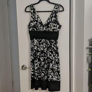 Black & White Size 10 Jones Wear Sleeveless Dress